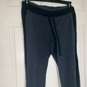 Women's Capri sweatpants Lg gray and black
